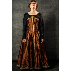 Narnia PC Women's Royalty Full Outfit, Queen Prunaprismia 2