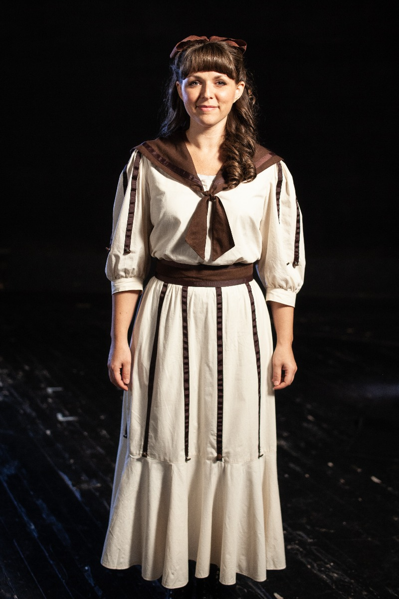 Bustle/Turn of the Century – Women's Full Outfit,  White and Brown