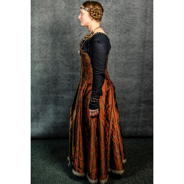 Narnia PC Women's Royalty Full Outfit, Queen Prunaprismia