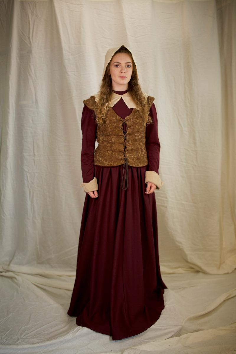 Tudor/Elizabethan – Women's Outfit Full