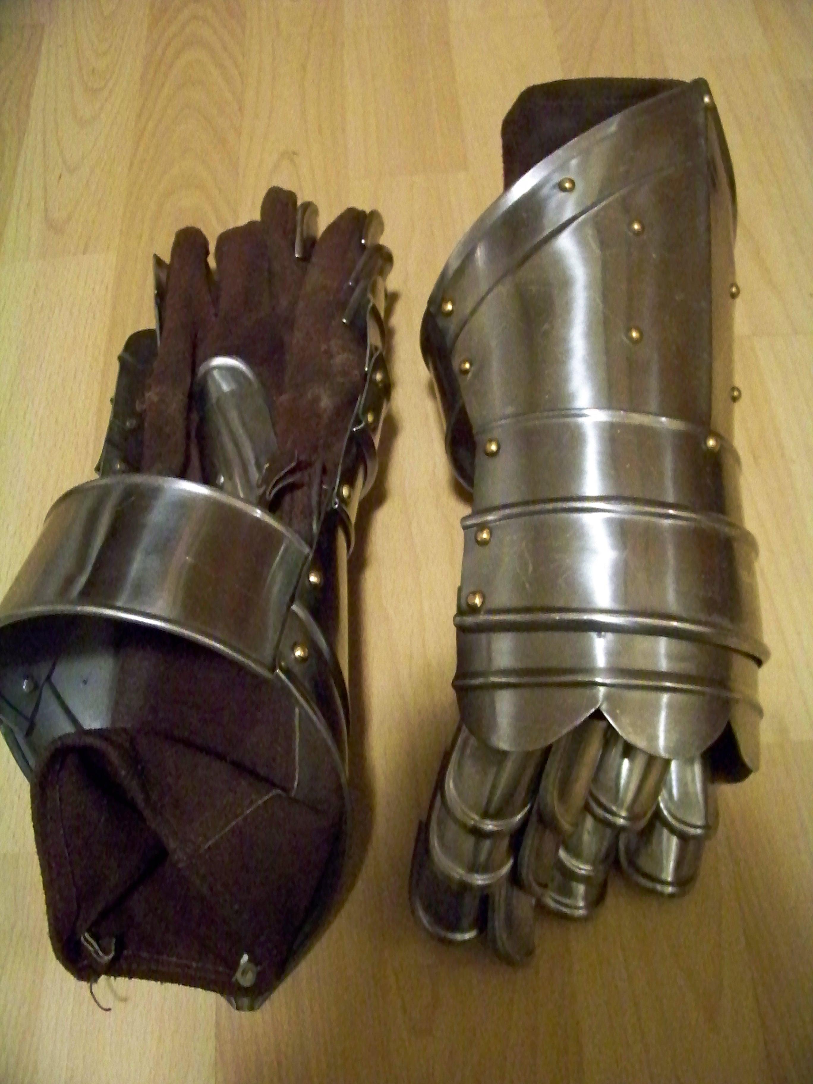 Armor, Gauntlet