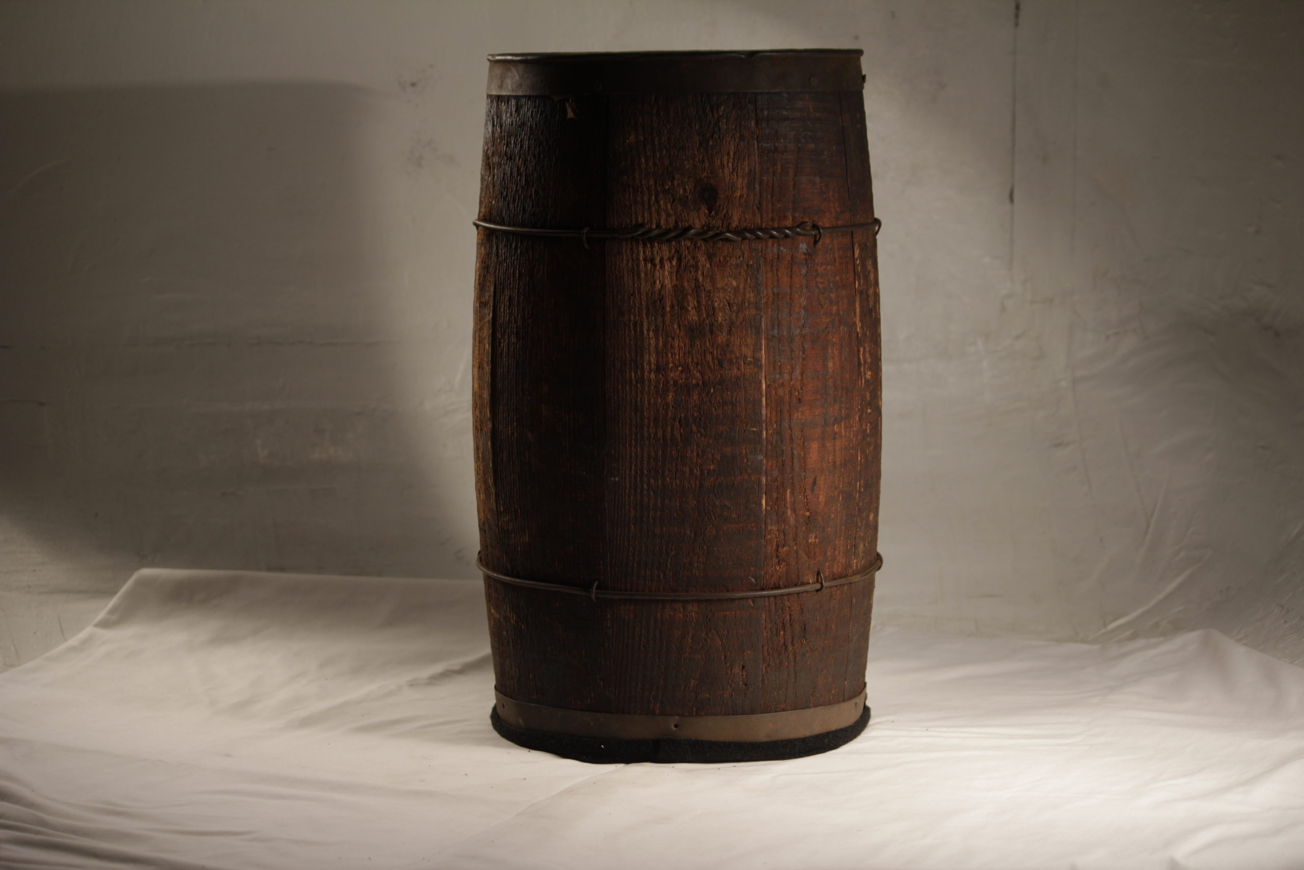 Barrel, small wooden brown