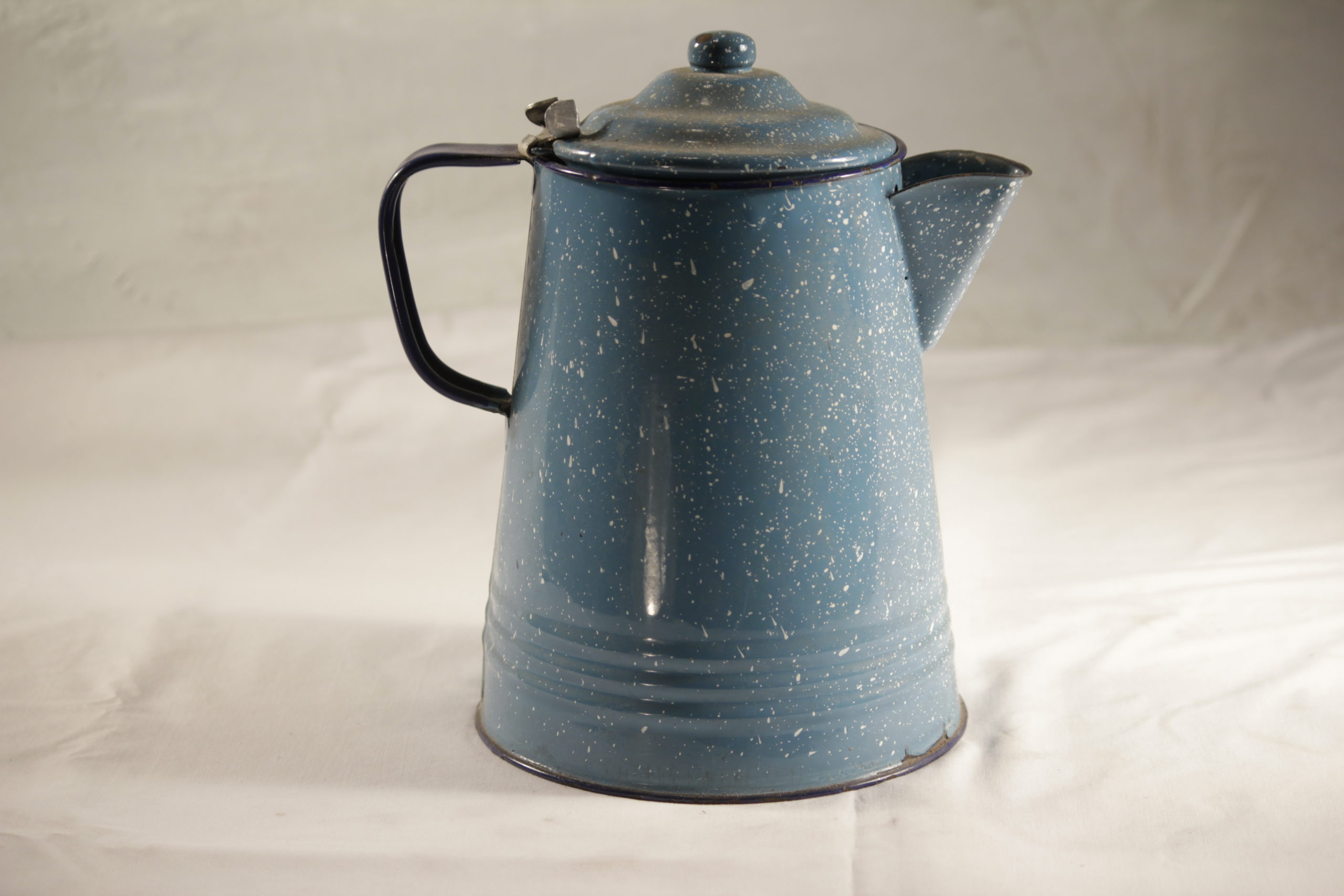 Teapot, vintage eggshell blue
