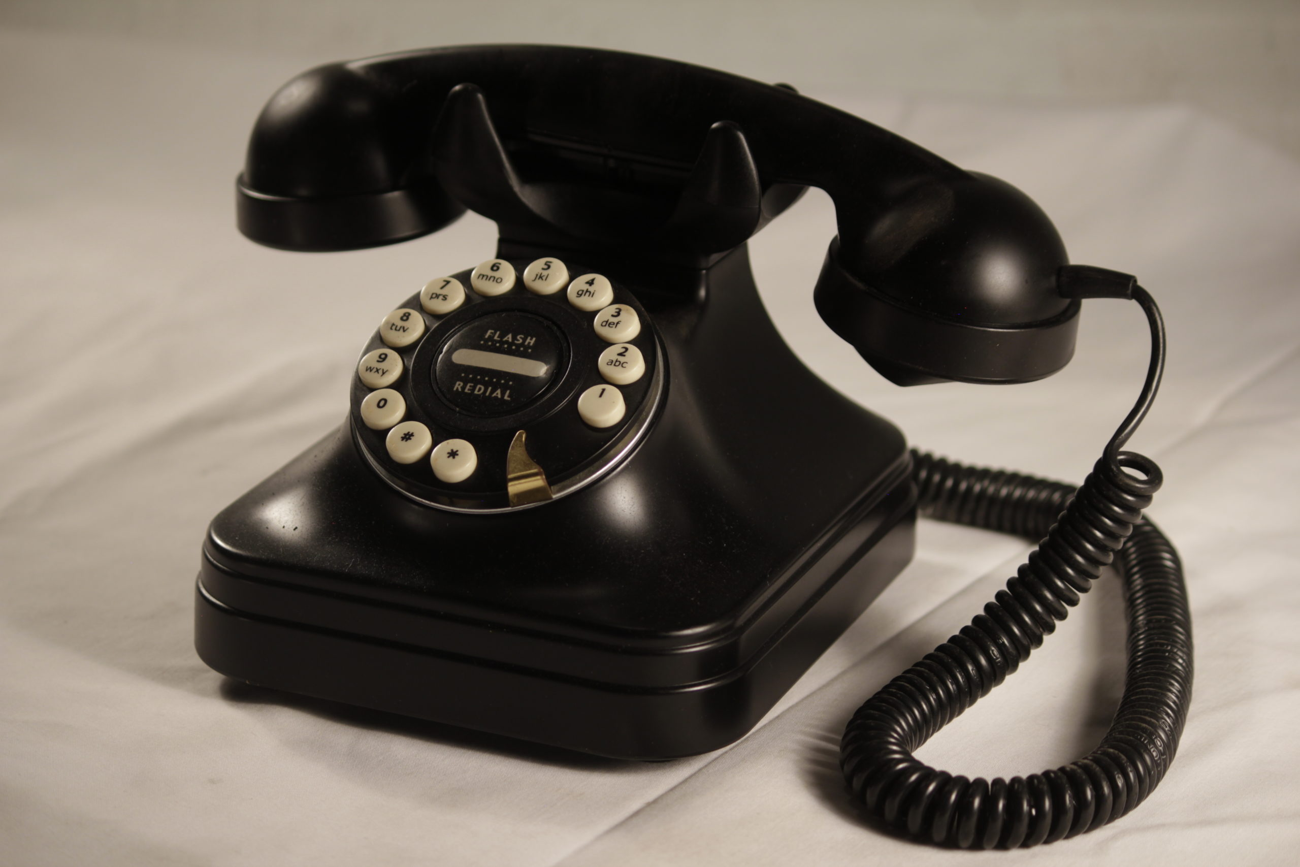 Telephone, vintage black