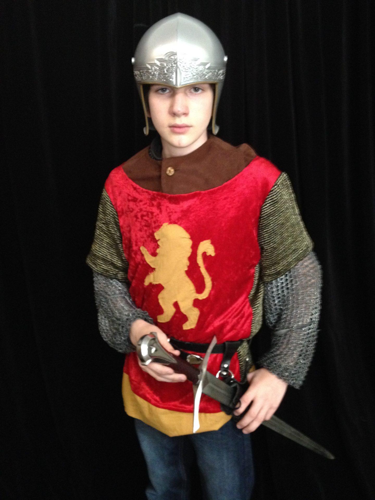 Narnia LWW Edmund Pevensie Battle Outfit vs2
