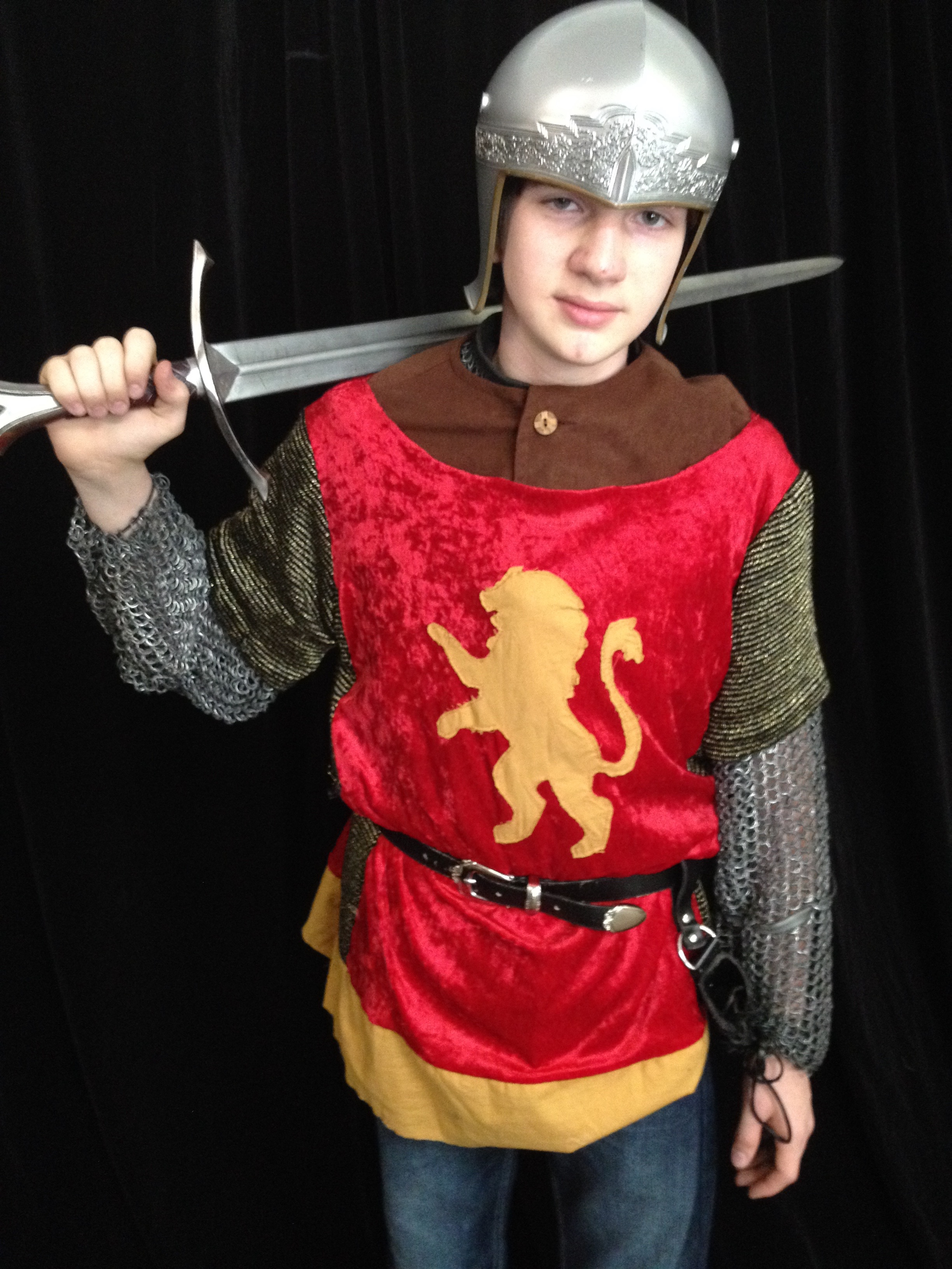 Narnia LWW Edmund Pevensie Battle Outfit vs2