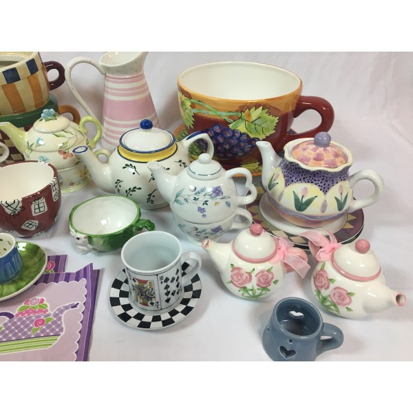 Alice, Teapots and cups