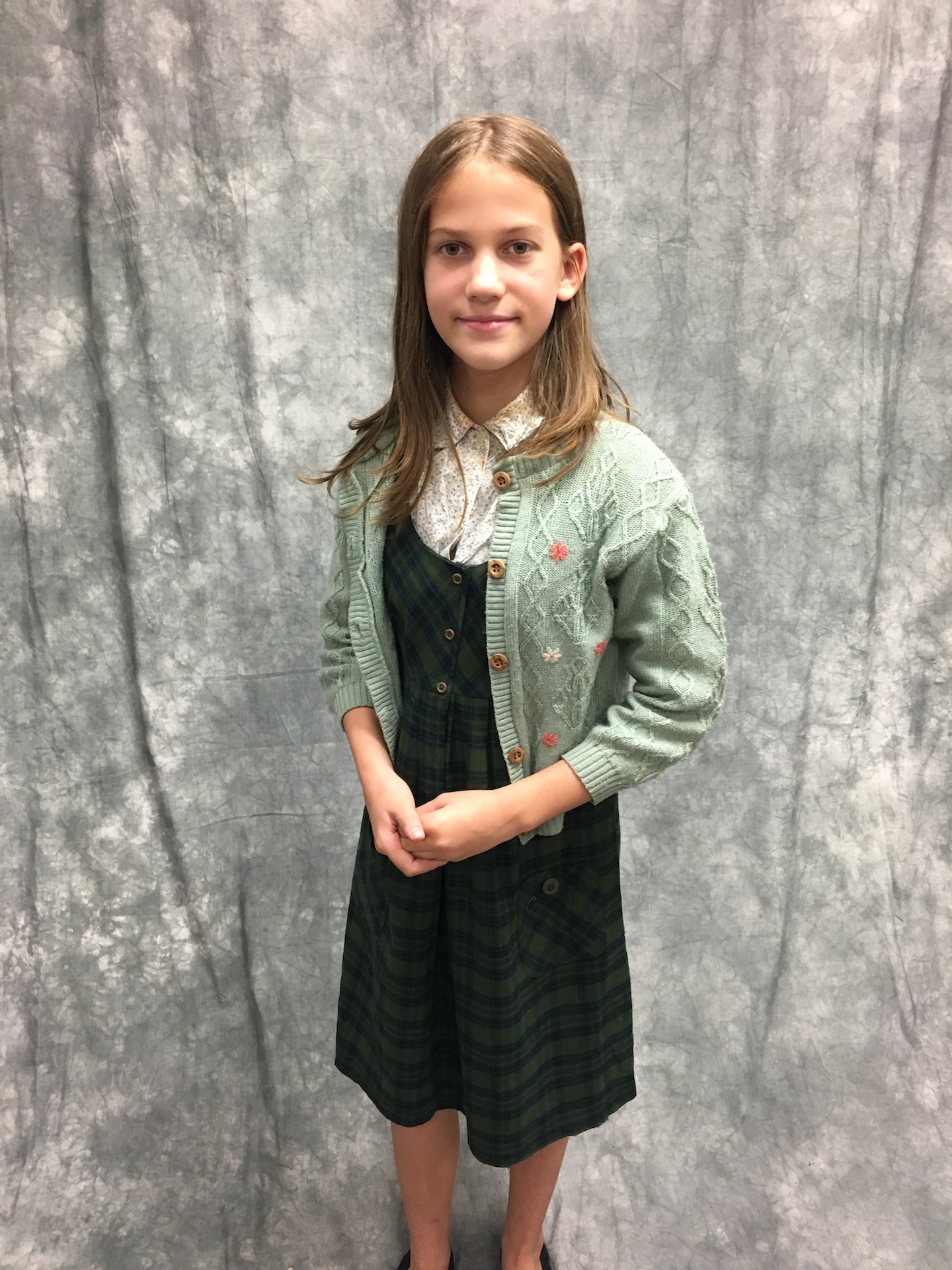 LWW Narnia Lucy Pevensie Wartime Costume vs1
