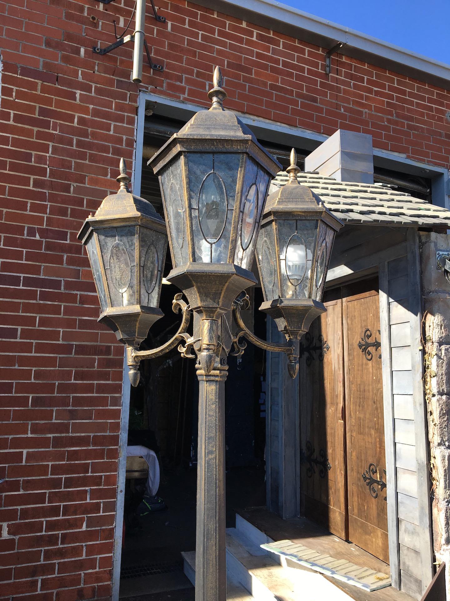 Lamppost, Three Light